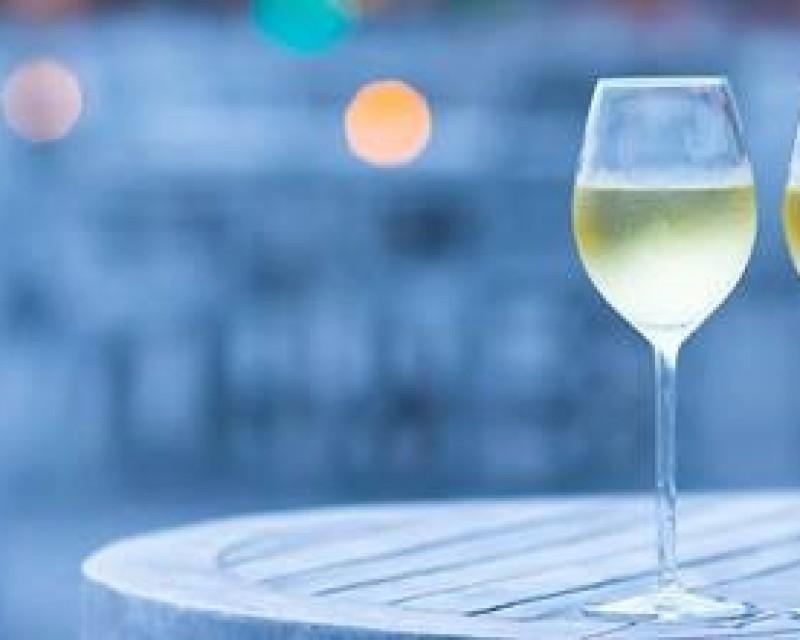 Wina z RPA w kieliszku w FOODWINE